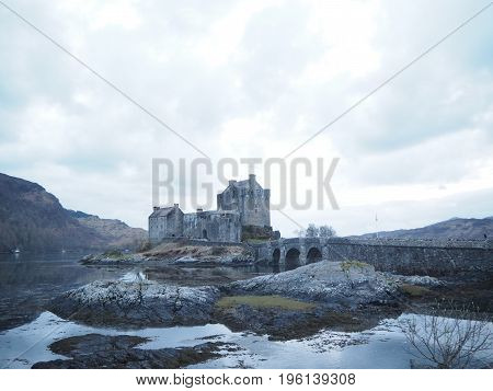 Beautiful scene of a Scottish castle: Eilean Donan