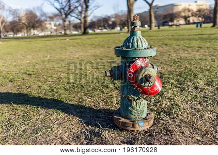 Washington Dc, Usa - January 28, 2017: Fire Hydrant With Out Of Service Red Sign