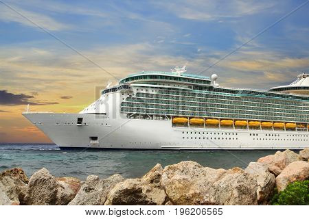 Luxury Cruise Ship Sailing to Port .