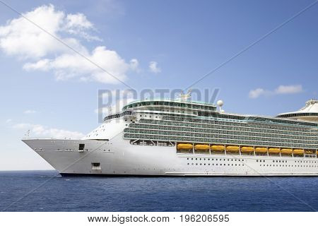 Luxury Cruise Ship Sailing to Port .