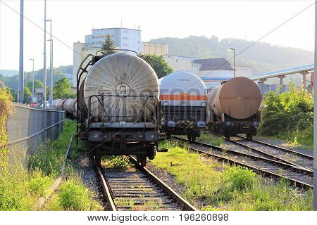 An Image of a tank railroad  (Stickstoff = Nitrogen)