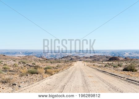 The road from the N14-road past KaXu Solar One to the Onseepkans border post. Namibia is in the distance