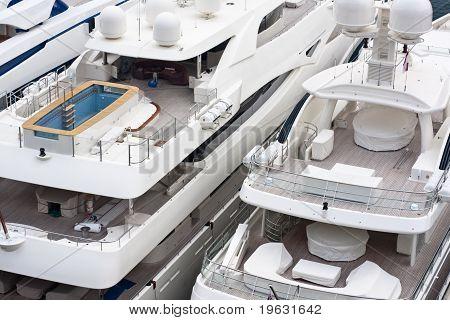 Luxurious Triple Deck Yachts