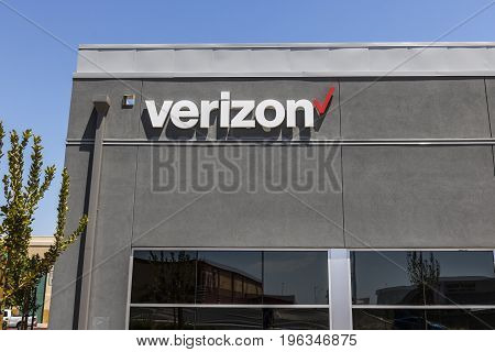 Las Vegas - Circa July 2017: Verizon Wireless Retail Location. Verizon is the largest U.S. wireless communications service provider XVII