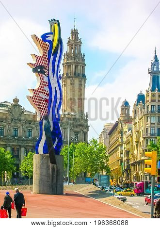 Barcelona, Spain - May 09, 2007: Statue Head of Barcelona by Roy Lichtenstein, completed in 1992 for the Olympics and situated on the waterfront at Maremagnum.