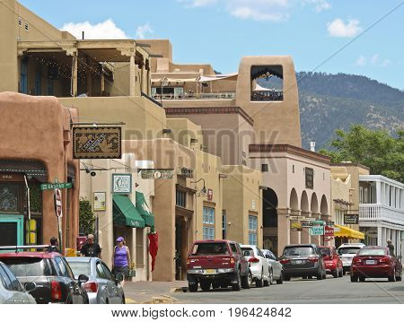 SANTA FE, NEW MEXICO, JULY 6. Water Street on July 6, 2017, in Santa Fe, New Mexico. A Look Down a Busy Water Street in Santa Fe in New Mexico.