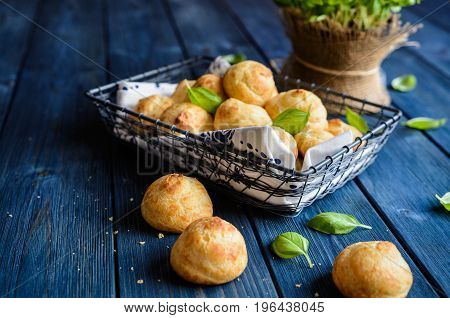 Gougéres - Traditional French Cheese Choux Pastry