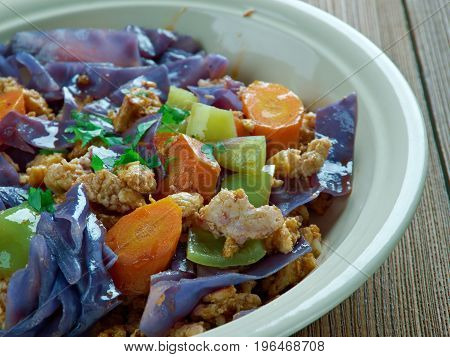 Red Cabbage With Minced Meat