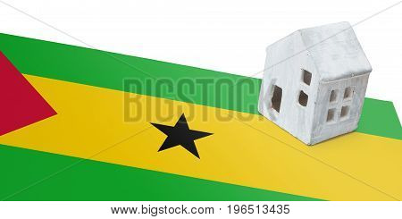 Small House On A Flag - Sao Tome And Principe