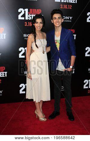 LOS ANGELES - APR 13:  Brandon and Savannah at the