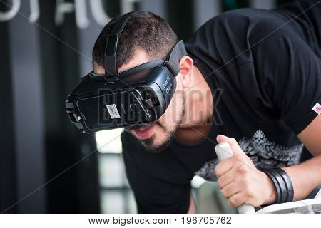 Guy Using Samsung Virtual Reality Headset, Vr Oculus Googles