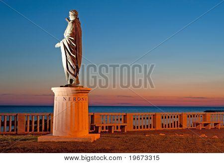 Nerone Statue Night View