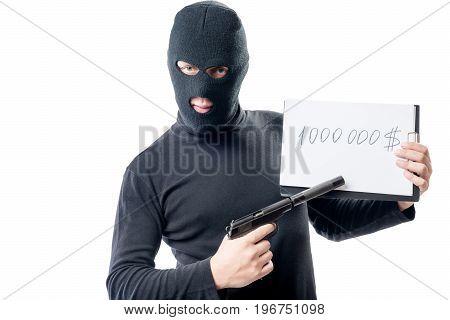 A Criminal With A Gun Demands A Ransom Of $ 1000000