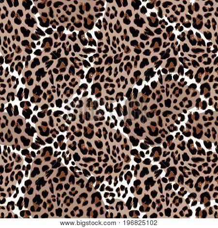 Leopard or jaguar seamless pattern. Modern animal fur design, vector illustration background.