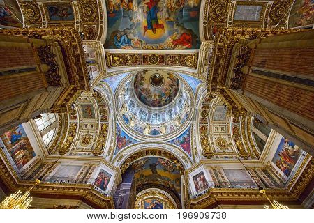 SAINT PETERSBURG/ RUSSIA - JUNY 30, 2017. Interior of the Saint Isaac's Cathedral (Isaakievskiy Sobor) - the largest Russian Orthodox cathedral in the city Saint Petersburg, Russia