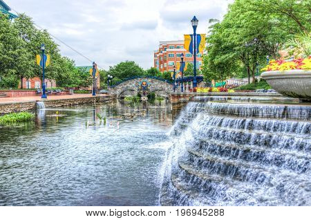Frederick, Usa - May 24, 2017: Carroll Creek In Maryland City Park With Canal, Bridge And Fountain W
