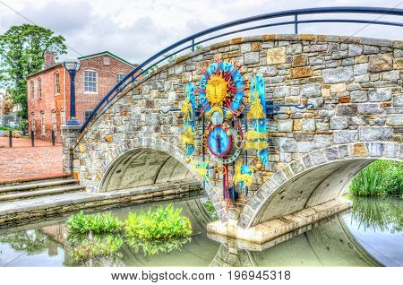 Frederick, Usa - May 24, 2017: Carroll Creek In Maryland City Park With Canal, And Colorful Bridge W