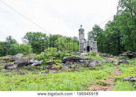 Gettysburg, Usa - May 24, 2017: Little Round Top New York Monument In Gettysburg Battlefield Nationa