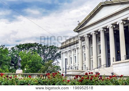 Alexander Hamilton Statue Rose Garden US Treasury Department Washington DC. Statue by James Fraser and dedicated 1923