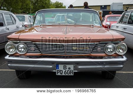 BERLIN - MAY 10 2015: Full-size car Pontiac Bonneville 1960. The 28th Berlin-Brandenburg Oldtimer Day