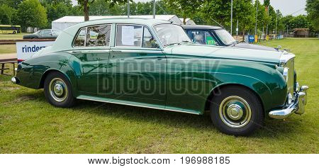 PAAREN IM GLIEN GERMANY - MAY 23 2015: Full-size luxury car Bentley S1. The oldtimer show in MAFZ.