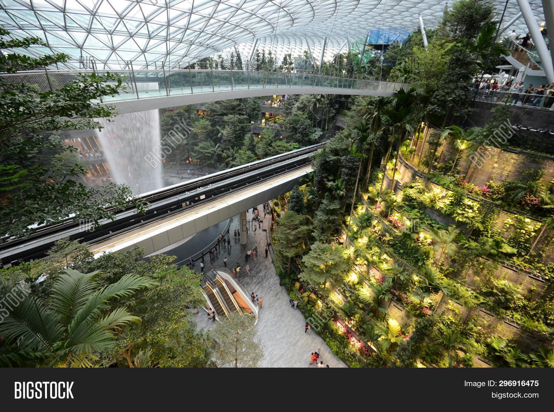 Singapore, 11 Apr, Image & Photo (Free Trial) | Bigstock