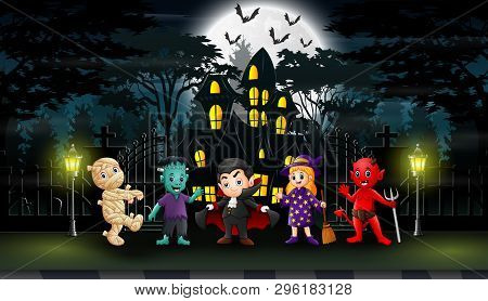 Happy Halloween Celebrate In Front Of The Hounted House