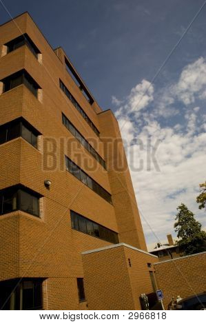 Edificio de administración de la Universidad