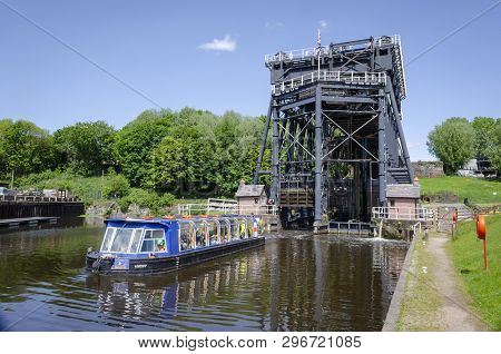 Anderton, Cheshire, North West England Uk 24 May 2016. Anderton Boat Lift Is A Two Caisson Lift And