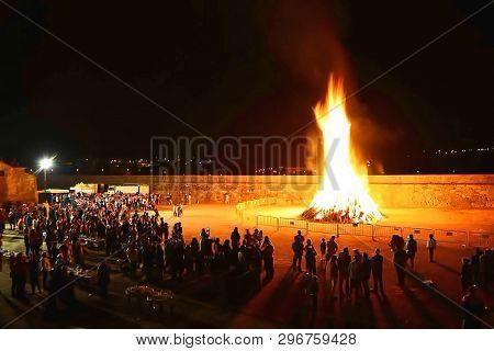 Bonfire , Saint John , People, Tradition , Night , Galicia ,