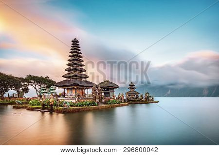 Ulun Danu Beratan Temple Is A Famous Landmark Located On The Western Side Of The Beratan Lake , Bali