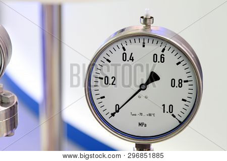 Pressure Gauge - A Device For Measuring The Pressure Of Fluid In The Pipeline.