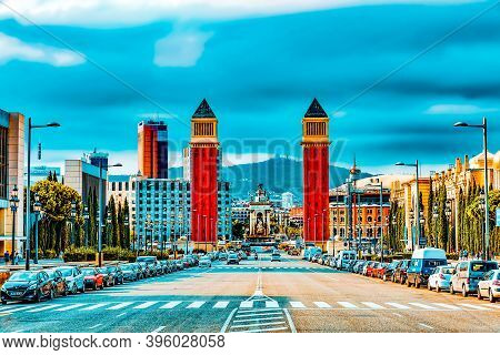 Barcelona, Spain - Sept 04: Famous   Placa De Espanya In Barcelona. September 04, 2014 In Barcelona