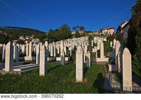 Sarajevo, Bosnia And Herzegovina - 28 Apr 2018: The Cemetery In Sarajevo City, Bosnia And Herzegovin