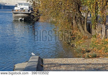 Lyon, France, November 22, 2020 : Empty Quays Of The Rhone River During Lockdown. Berges Du Rhone Ar