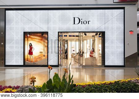 Las Vegas, Usa - April 27, 2012:  : Shop Of Dior In The Chrystals Mall In Las Vegas. Crystals Became