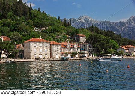 Perast, Montenegro - 06 May 2018: Vintage Houses In Perast On Adriatic Coast, Montenegro