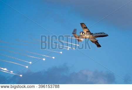 Fort Lauderdale, Fl, Usa - November 22, 2020: Military Bomber Dropping Flares At The Fort Lauderdale