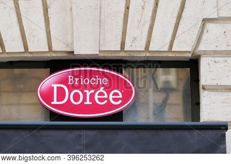 Bordeaux , Aquitaine / France - 11 11 2020 : Brioche Doree Logo And Text Sign Store Front Of Bakery
