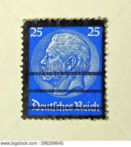 Germany Realm - Circa 1934 : Cancelled Postage Stamp Printed By Germany Realm, That Shows President