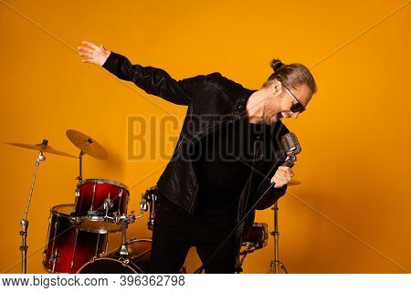 Photo Of Cool Handsome Vocalist Guy Singing Retro Old Fashion Microphone Repetition Important Concer