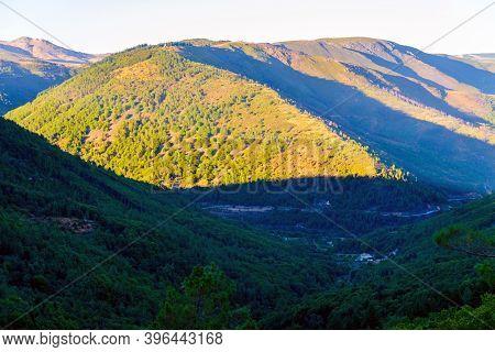 Green River Rio Zezere Valley Mountain Panorama Landscape On Sunset. Portugal, Serra Da Estrela.