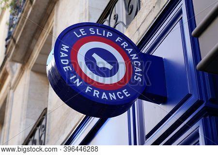 Bordeaux , Aquitaine / France - 11 21 2020 : Le Slip Francais Sign And Text Logo Front Of Underwear