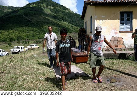 Itaju Do Colonia, Bahia, Brazil - February 23, 2012: Indians Of The Pataxo-ha-ha-hae Ethnicity Colle