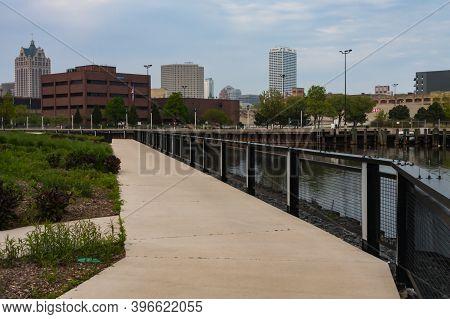 Milwaukee, Wi, Usa May 28 2011: Skyline View Of Downtown Milwaukee, Wisconsin On The Menomonee River