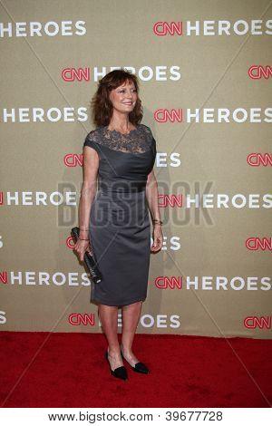 LOS ANGELES - DEC 2:  Susan Sarandon arrives to the 2012 CNN Heroes Awards at Shrine Auditorium on December 2, 2012 in Los Angeles, CA