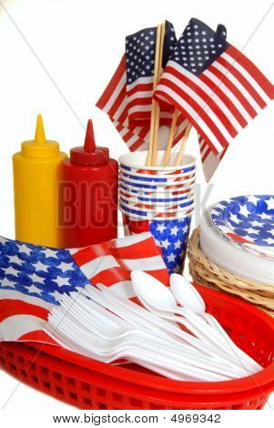 Table Setting For A 4Th Of July Picnic