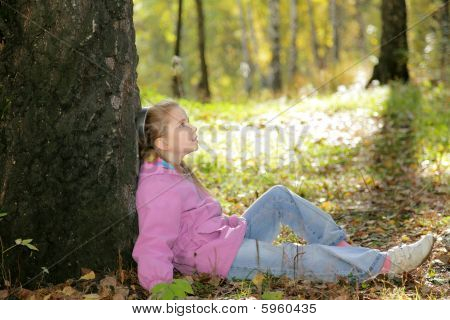 The girl and autumn