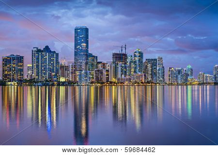 Miami, Florida skyline at Biscayne Bay.