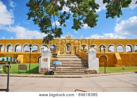 A small town called Izamal